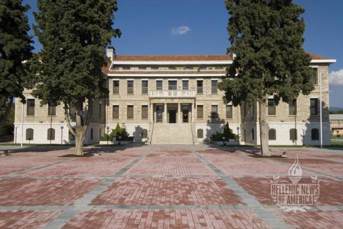 Greek_Summe_2012_1