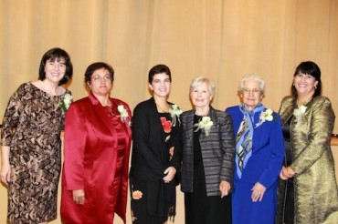 Wilmington Philoptochos Honors Presvyteres