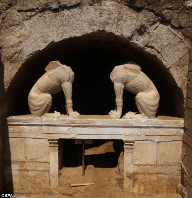 Παγκόσμιο Ενδιαφέρον για τον Τάφο στην Αρχαία Αμφίπολη  Ανήκει σε επιφανές πρόσωπο του Μεγάλου Αλέξανδρου;  Υπάρχουν εκτιμήσεις , ότι μπορεί και στον ίδιο