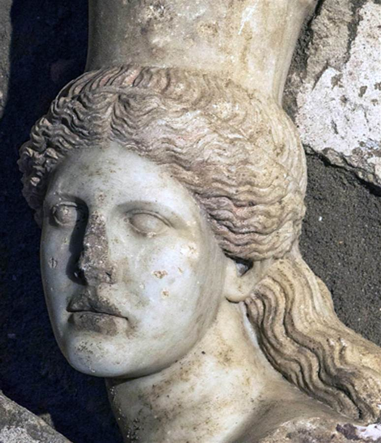 Archaeologists Unearth Sphinx Head in Greece's Ancient Amphipolis Tomb