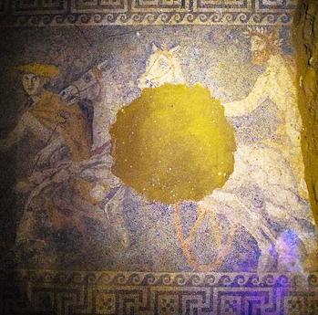 Η αρπαγή της Περσεφόνης από τον Πλούτωνα ήταν ένα ακόμη, μυστικό του μνημείου της Αμφίπολης