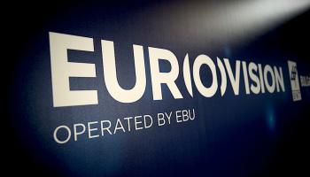 «ΟΠΟΙΟΣ ΑΓΑΠΑ ΤΗΝ ΠΑΤΡΙΔΑ ΤΟΥ, ΤΗΝ ΚΡΙΝΕΙ ΑΥΣΤΗΡΑ»  Eurovision για… κλάματα!