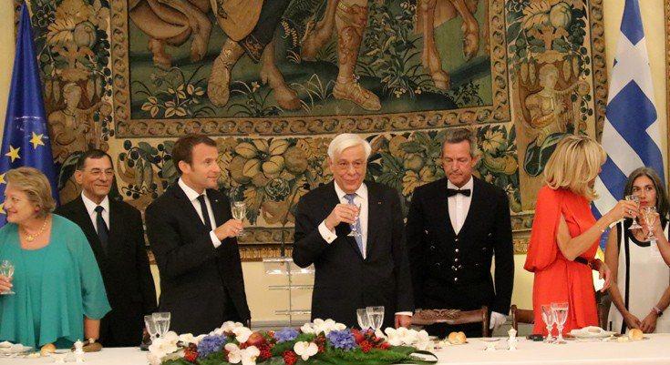 ΣΑΜΙΩΤΙΚΟ ΚΡΑΣΙ: «Merci, Monsieur Macron»