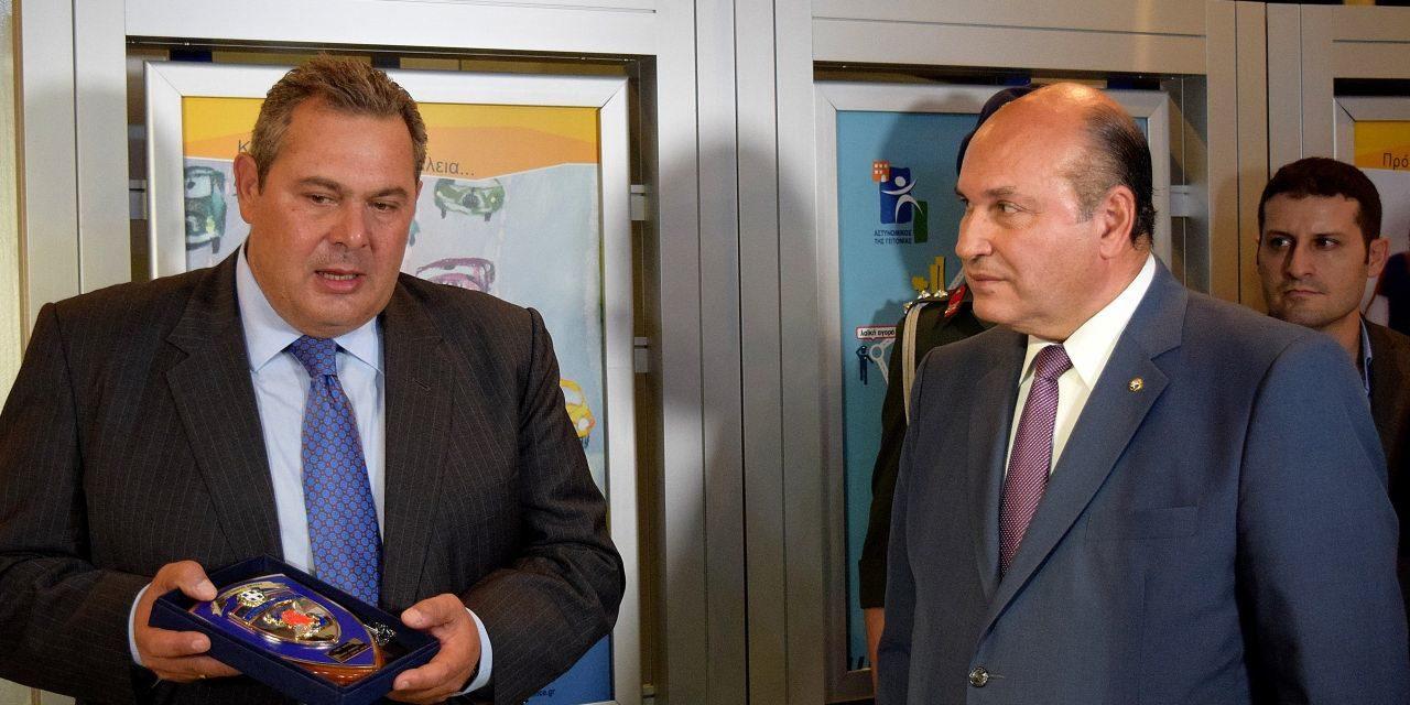 Το Πληροφοριακό Κέντρο της Ελληνικής Αστυνομίας στη Διεθνή Έκθεση Θεσσαλονίκης επισκέφθηκε ο Υπουργός Εθνικής Άμυνας Πάνος Καμμένος