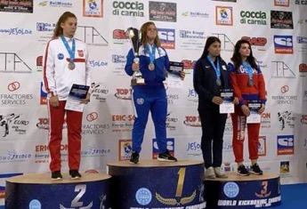 Αίγιο:Παγκόσμια πρωταθλήτρια στο Kick Boxing η Γεωργία Καραφλού!